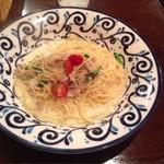 タパス&タパス - ツナと野菜のホワイトソース