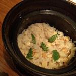 露瑚 - 土鍋で炊いた御飯です。ふっくらと炊きあがります。