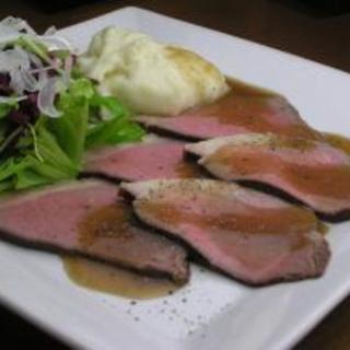 日曜日、祭日以外は深夜2時まで食事と生牡蠣が楽しめます!!