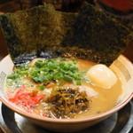 横浜家系ラーメン 作田家 - 料理写真:2013.4 博多豚骨SP(930円)