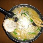 へべれ家 - 料理写真:鶏白湯で札幌ラーメン風に仕上げてみました