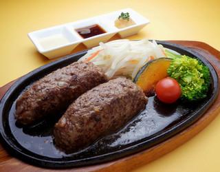 Grillマッシュ - 大人の極上ハンバーグNEW お肉はA4、A5等級の黒毛和牛肉の100%!3種類のソースで。