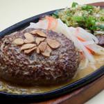 スティック&スプーン - スタミナコンボ ふっくらハンバーグガーリックソースと牛ハラミのひとくちステーキネギ塩ソース