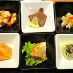 18441988 - 韓定食6品