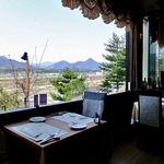 レストラン 樹葉亭 - 窓が大きくて開放感があります(2013年4月)