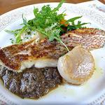 レストラン 樹葉亭 - 真鯛とホタテ貝のポワレ タプナードソース(2013年4月)
