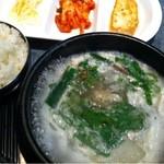民俗村 - ソロンタン定食ランチ1050円