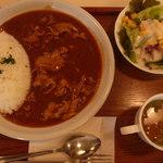 国際パティシエ調理師専門学校 - 料理写真:ポークストロガノフ、サラダ、スープ