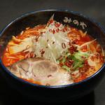 みのや - 味噌ベースで作られた甘さの中に辛味のあるスープです