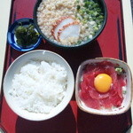 志乃家 - まぐろ納豆丼定食 750円