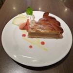 ル サロン カフェ フロ - 安納芋と焼き芋のスイートポテトタルト