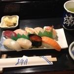 潮鮨 - 寿司定食500円!!お新香、お吸物付き