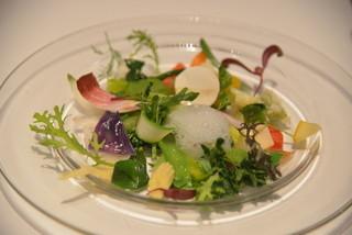 レストラン タテル ヨシノ 銀座 - 季節の野菜 モネの庭園をイメージして