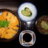 てうり亭 - (うに丼) 地元てうり産のみの生ウニを使用