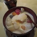 コパン - ココナッツの白玉あんみつバニラのせ