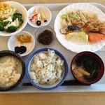 レストランロータス - ホテルの朝ご飯は、沖縄料理主体。