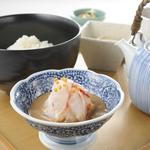 だし茶漬けえん - 料理写真:宇和島産 鯛だし茶漬け 930円 自家製胡麻ダレと合わせた贅沢なだし茶漬けです。