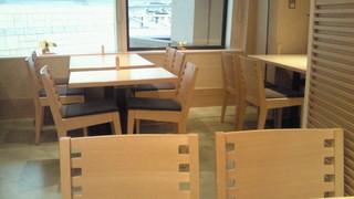 麻布 久徳 - テーブル席