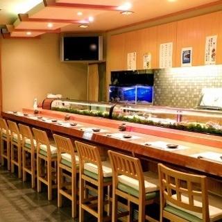 カウンターでお任せをご注文下さい。本物のお寿司を食べたい方!