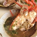 海鮮料理 日南水産 - 伊勢海老のお味噌汁どーん!