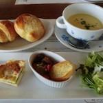 18457797 - バースデーコース前菜・スープ・パン食べ放題