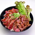 レッドロック - ●ステーキ丼(大盛)●肉もやわらかジューシー