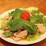 タイ料理 ディーディー - 2013.4 ムータカイ(1,000円)豚のレモングラスサラダ