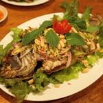 タイ料理 ディーディー - 2013.4 プラヤムタカイ(2,000円)鯛のから揚げ