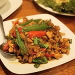 タイ料理 ディーディー - 2013.4 ガパオガイ(1,000)鶏肉のバジル炒め