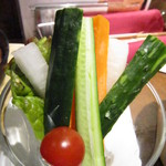 イタリアンバル 小麦 - バーニャカウダー@580円