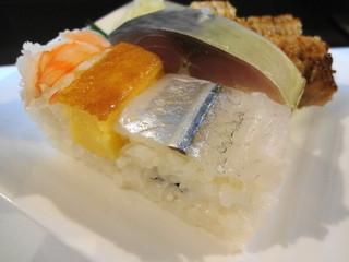 468 - お寿司 反対側のアングル