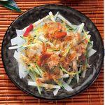 焼酎専科 くろ○ - 大根と長芋のじゃこサラダ