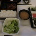 18475695 - ルームサービスで注文した牛タンフォアグラ丼