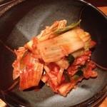 炭火焼肉 舞牛 - キムチ
