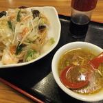 横浜中華料理 和香佐 - サービスメニューの長崎皿うどん¥500
