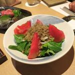 和食ダイニング まぐろ問屋 三浦三崎港 - 揚げじゃことトマトの柚子ドレサラダ