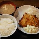 南蛮食堂 - チキン南蛮定食590円