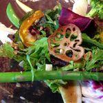 ブランノワール - ランチセットのサラダは新鮮!