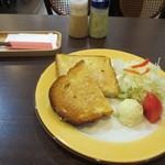 やまもと喫茶 - モーニングのトーストセット  (ドリンク付き) 500円