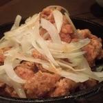 18490699 - 「鉄板生姜たっぷり若鶏の唐揚げ(S)」(480円)ボリュームたっぷり
