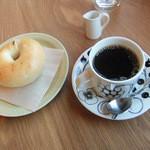 カフェスピネル - グァテマラ、ベーグル(豆乳・プレーン)