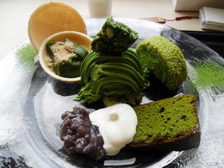 茶の環 本店 - 春メニュー:抹茶の贅沢プレートセット