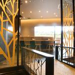 神戸串あげ SAKU - 玄関はスロープになり入りやすい雰囲気に。