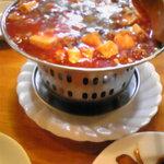 高味園 - 麻婆豆腐はこんなのに入って熱々の状態で来ます