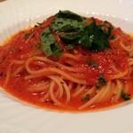 イタリア料理 ドルチェヴィータ - バジルとトマトのフェデリーニ