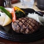 サフラン - 料理写真:セットで980円のつなぎ無しハンバーグ