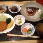 とんかつ しゅん亭 - 夜・焼き魚定食・サバにヒレ1