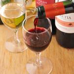 チカッパ - 火~木曜日の17::00~18:30は指定のグラスワインが一杯100円でーす!!