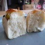 ベーグルU - 五色豆ミニ食パン断面