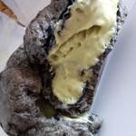 MAY FAIR - シュークリームの断面